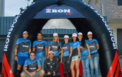 Voluntarios IRON TRI presentes en la novena carrera caminata de FUNDAMAMA